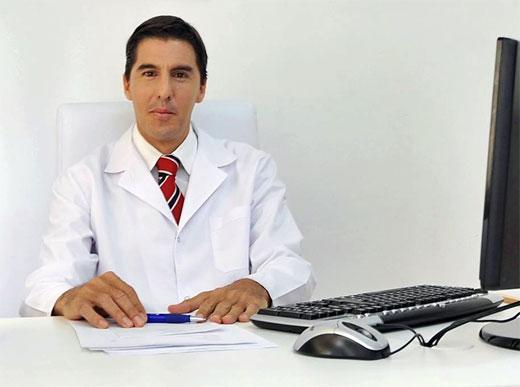 DR. CARLOS CARRER