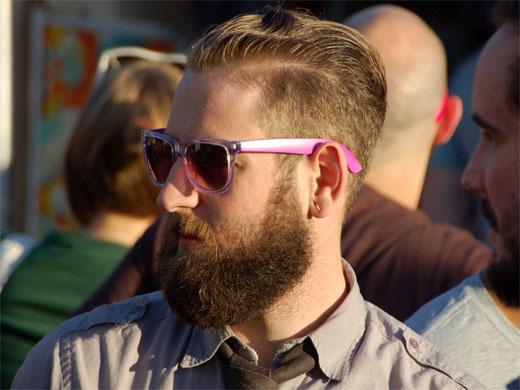 La moda hipster multiplica los implantes de barba | EsteticaMedica ...